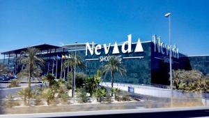Centro Comercial Nevada y Fray Leopoldo